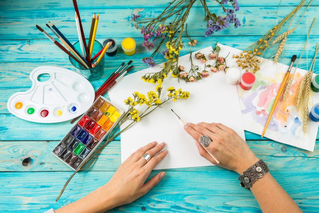 meditar y dibujar colores