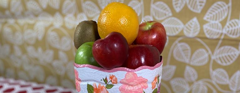 Crea un hermoso frutero ¡con un bote de plástico reciclado!