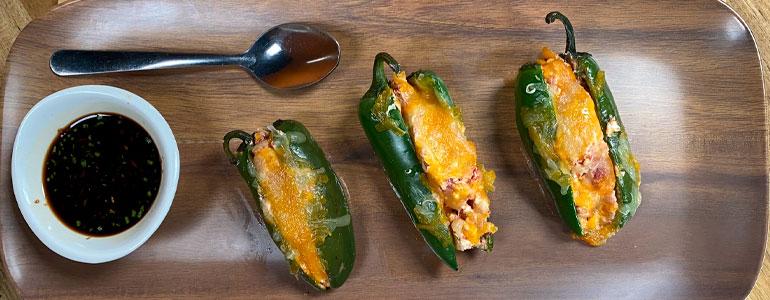 Receta de jalapeños rellenos de queso, ¡irresistibles!