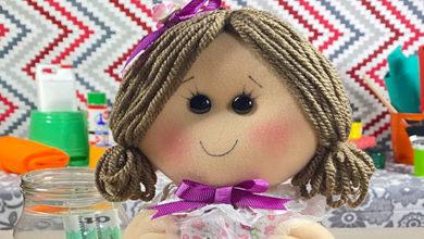 Cómo hacer una bonita muñeca con un envase reciclado